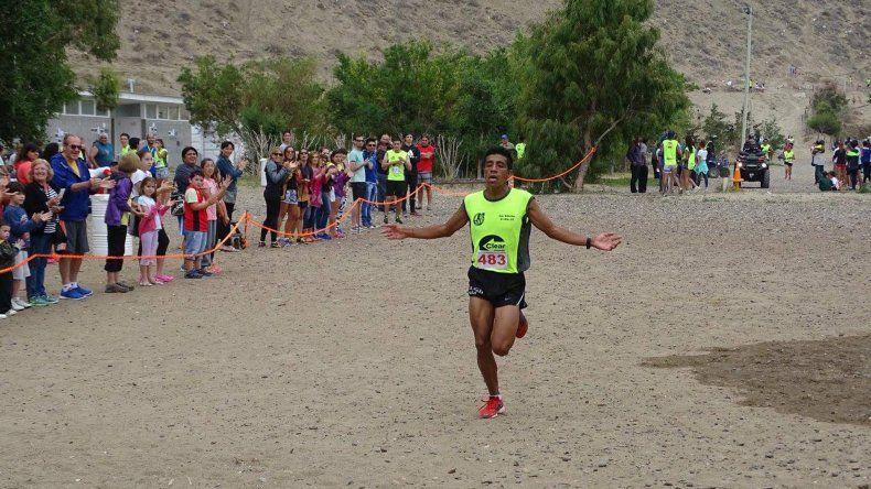David Rodríguez se quedó con la victoria en los 10 K de Calle.