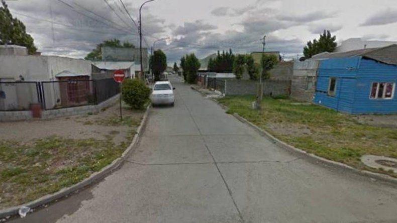 Jonathan Damián Armoa fue apuñalado y hallado tendido en el pasaje Leandro Alem de Río Gallegos en medio de un charco de sangre.