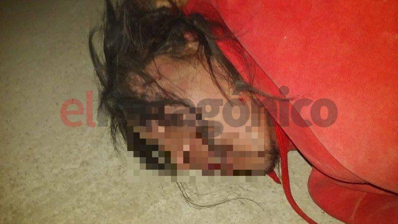 Corrieron a un ladrón por el techo, lo golpearon y lo entregaron a la policía