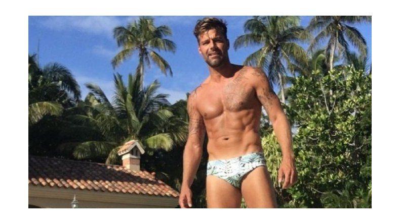 Revolución en redes: Ricky Martin a los 44 lució sus tatuajes y una sunga