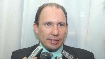 El ministro Menchi cargó las responsabilidades sobre el intendente Gabriel Salazar.
