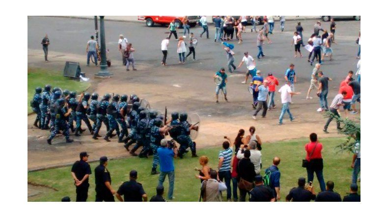 Serios incidentes en La Plata por despidos