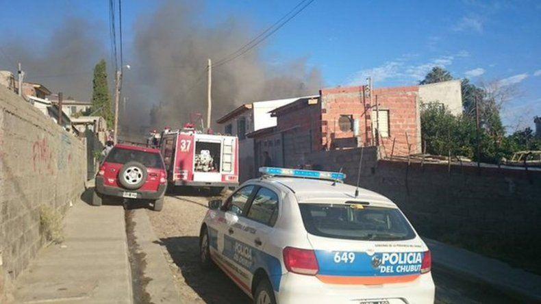 Incendio en Pasaje 19 de Enero del barrio San Martín. Foto vía WhatsApp.