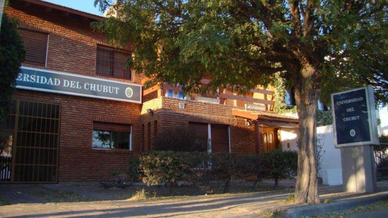 Denuncian festival de gastos y curros mínimos en la Universidad del Chubut