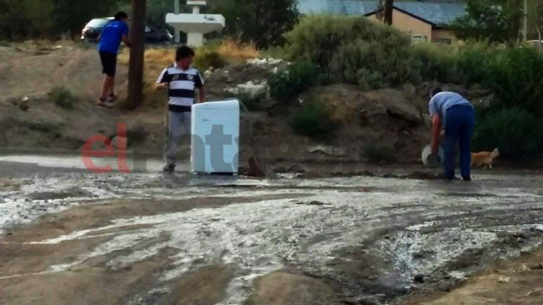Comodoro: señalizaron un pozo con un lavarropas
