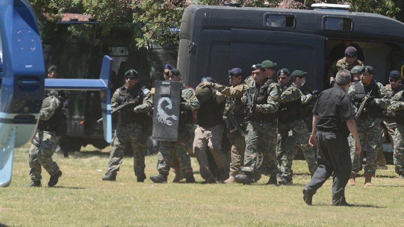 Una interna de la policía habría provocado la doble detención de los prófugos.