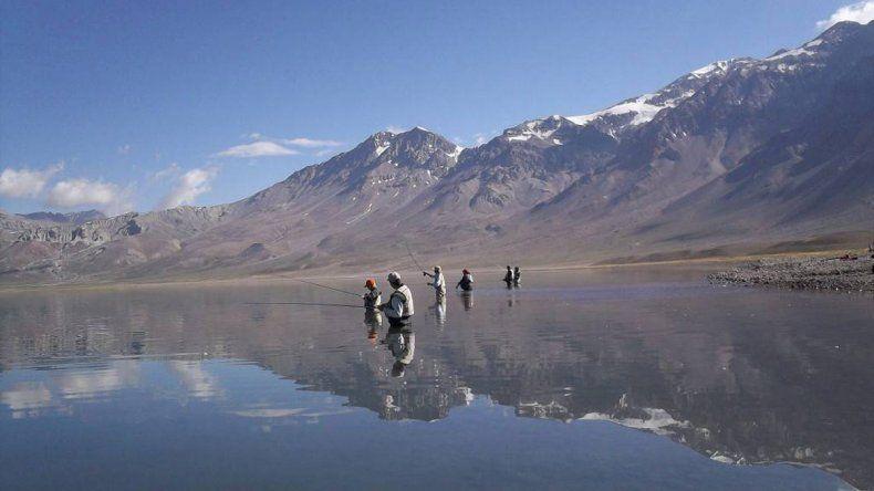 Todo listo para visitar la Laguna del Diamante en Mendoza
