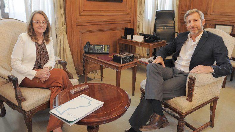 La gobernadora Alicia Kirchner mantuvo un encuentro con el ministro del Interior