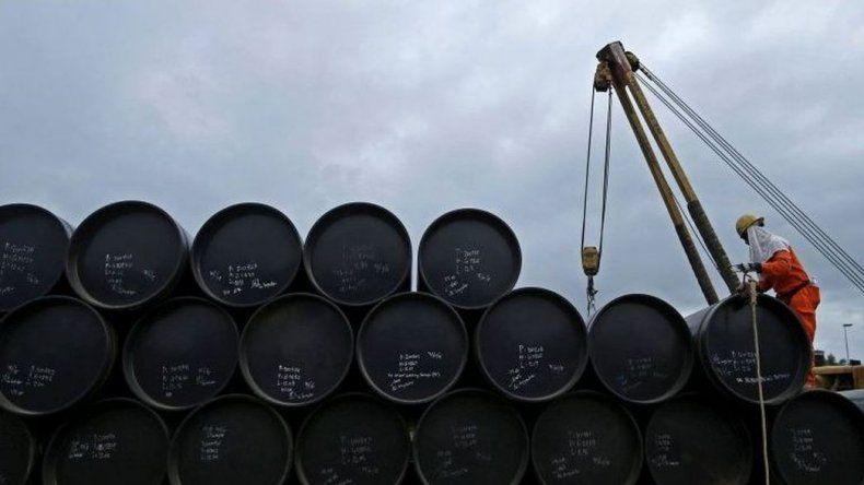 El Gobierno amenaza con importar combustibles si hay huelga de petroleros