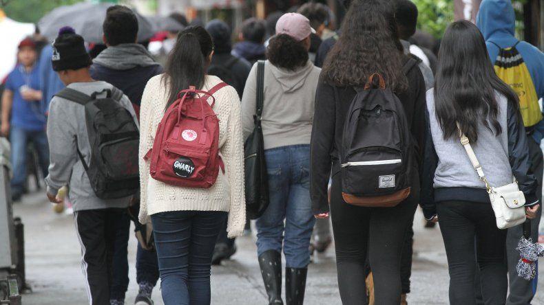 No estudia ni trabaja uno de cada 5 jóvenes