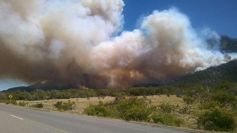 Más de mil hectáreas del Parque Los Alerces arrasadas por el fuego