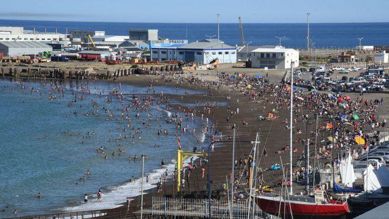 La ciudad todavía no cuenta en sus playas con una silla anfibia