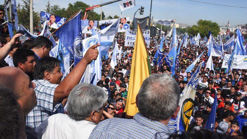 La multitudinaria asamblea celebrada el jueves último por el Sindicato Petroleros Privados Chubut.