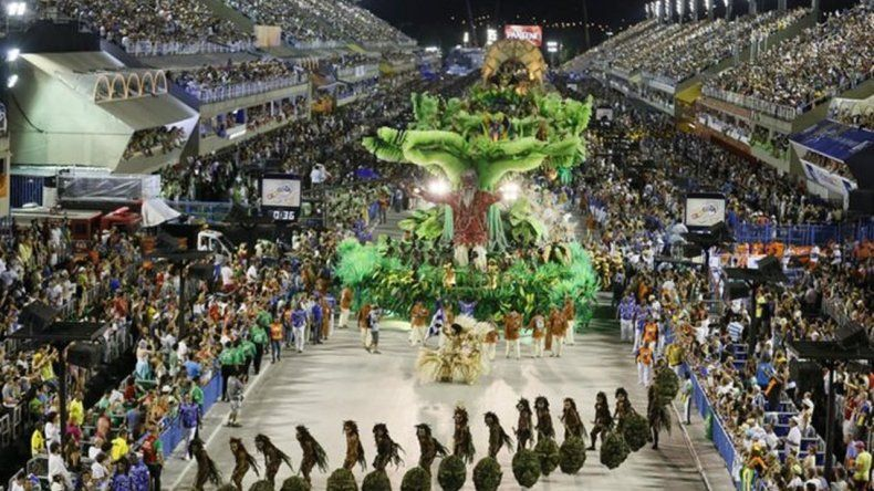 48 ciudades brasileñas suspendieron el carnaval por la crisis económica y el dengue