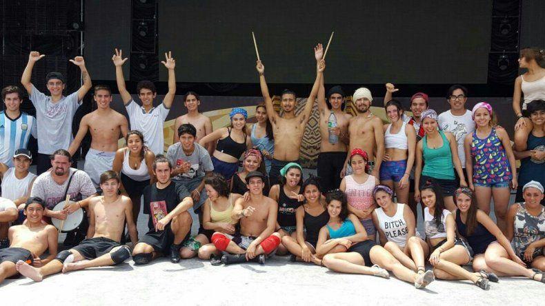El Camaruco de Comodoro actúa esta noche en Cosquín