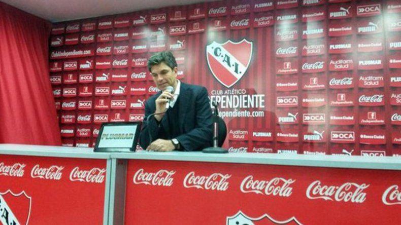 Mauricio Pellegrino durante la conferencia de prensa que brindó ayer en Villa Domínico.