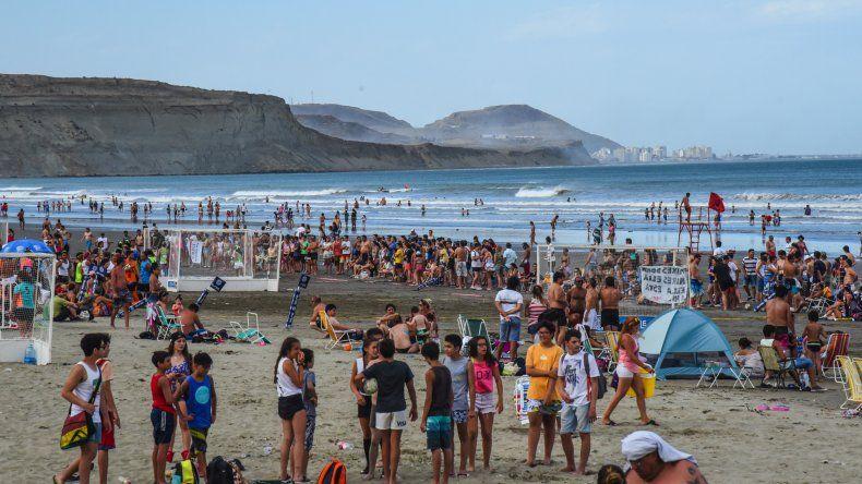 Así se disfruta el Verano 2016. Rada Tilly. Foto: Mauricio Macretti / El Patagónico.