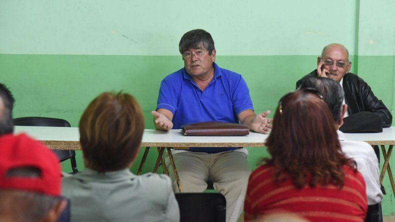 Más de 50 jubilados se volvieron a reunir en asamblea. Ahora piden respuestas directas del gobernador.