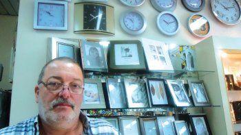 El relojero al que balearon en dos  asaltos y que aún espera justicia