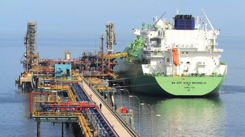 Una de las terminales portuarias en las que Chile recibe el gas natural licuado que importa desde el sudeste asiático.