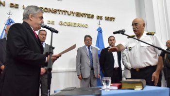 Juan Luis Ale juró ayer como jefe de Policía en reemplazo de Ricardo Hughes, a quien el gobernador le había pedido la renuncia el viernes.