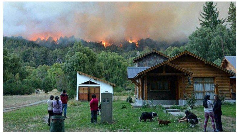 El incendio en el Parque Los Alerces consumió más de 1.800 hectáreas.