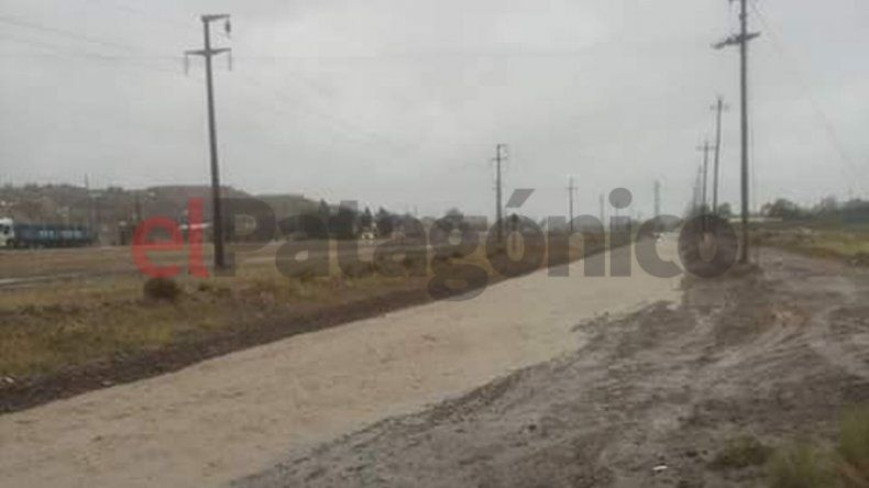 La lluvia afectó el tránsito en calle Los Andes del barrio Ciudadela