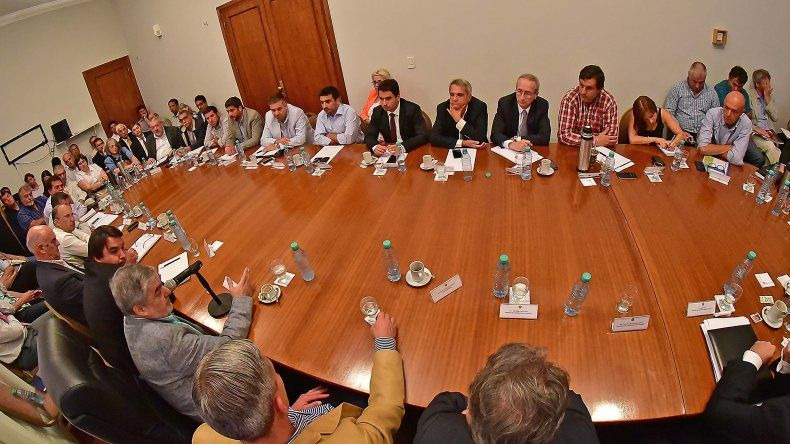 El gobernador reunió a su gabinete