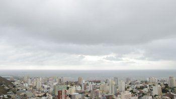 martes nublado con maxima de 22°
