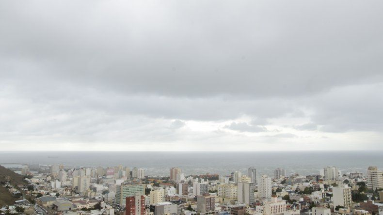 Sábado con cielo algo nublado y baja temperatura
