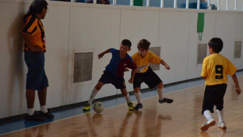 El Torneo de Verano de fútbol de salón continuará jugándose esta tarde en el gimnasio municipal 1.