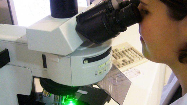 A través del microscopio los científicos pudieron detectar enfermedades sexuales en mujeres que no tenían síntoma alguno.