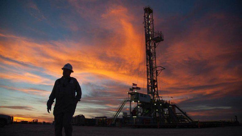 El petróleo escaló a u$s 34,40