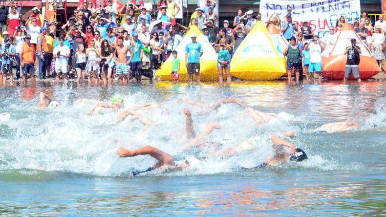 El norteamericano Alexander Meyer se quedó con la victoria en la prueba de natación de aguas abiertas en Viedma.