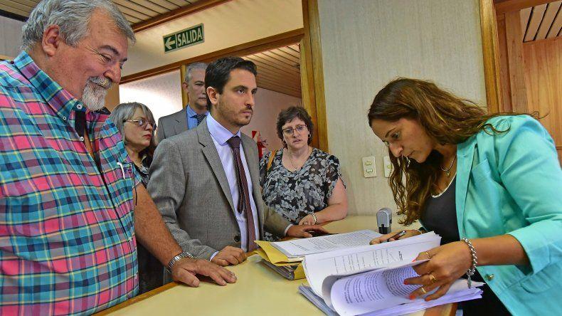 Se formalizaron las denuncias contra Zárate, Combina y otros ex funcionarios