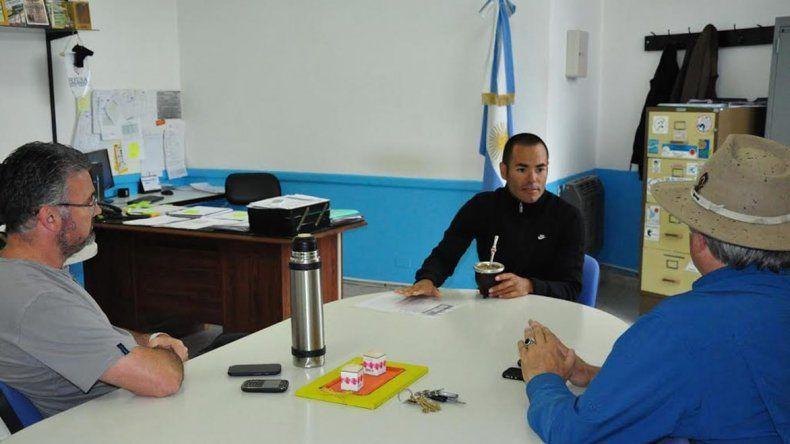 Martín Bravo durante su visita a Comodoro Deportes.