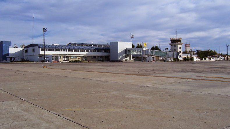 Las obras en el aeropuerto de Comodoro tendrán que seguir esperando. Es lo que se desprende al analizar las partidas que destinó el gobierno de Macri.