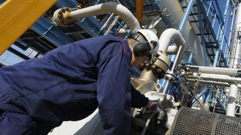 Petroleros entregaron el preacuerdo firmado con Tecpetrol