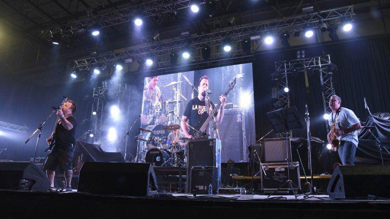La Rueda de Orfeo es una de las bandas locales que ya ha hecho soporte en diversos espectáculos de rock.