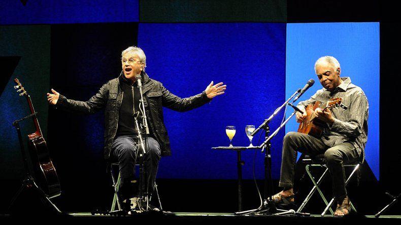 Caetano Veloso y Gilberto Gil presentan su nuevo material discográfico.