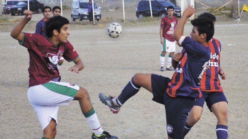 El fútbol de Comodoro Rivadavia está listo para salir a la cancha.