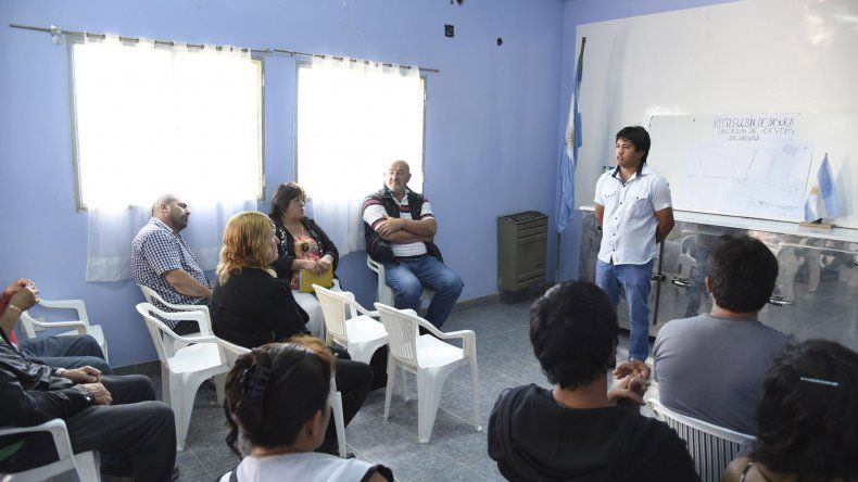El encuentro que se realizó ayer en la Asociación Vecinal de Balcón del Paraíso.
