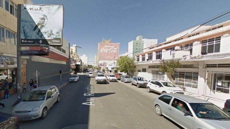 Cortan el tránsito en la Rivadavia por derrame de combustible