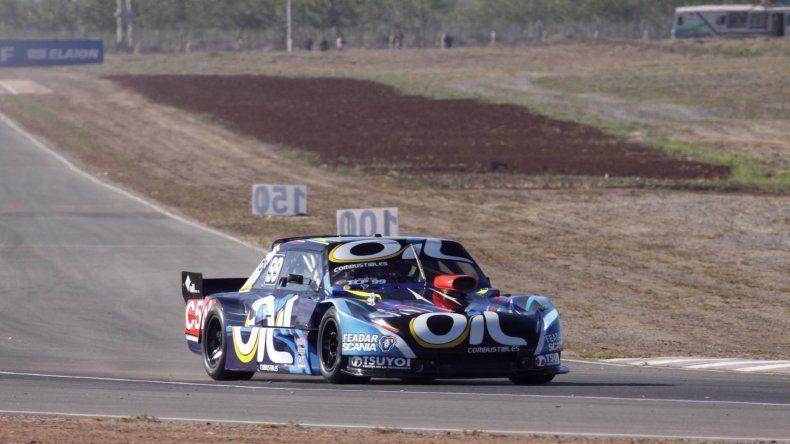 El Torino de Nazareno López que ayer se ubicó noveno en la primera clasificación del TC Pista.