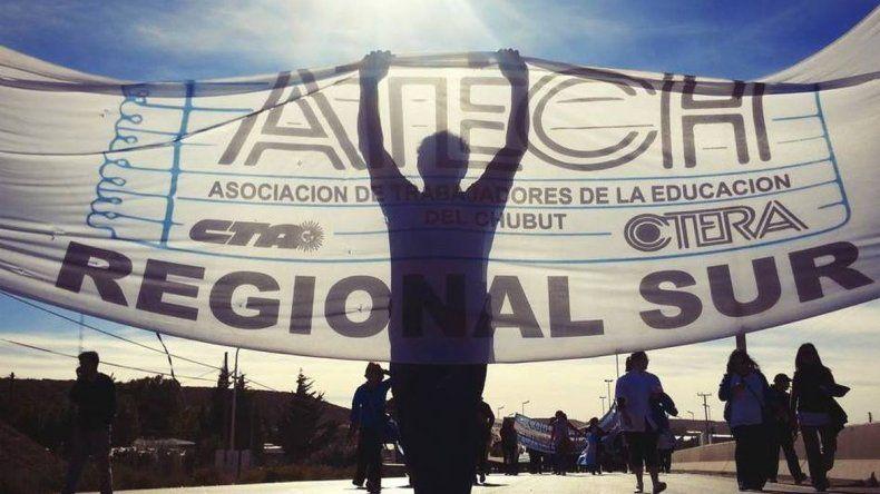 La ATECh y los docentes universitarios paran mañana: piden reapertura de paritarias