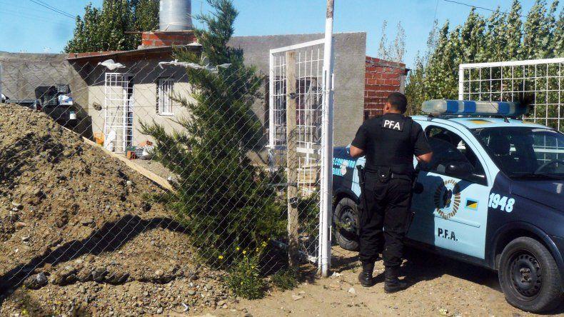 Uno de los allanamientos efectuados ayer por la Policía Federal en domicilios particulares.