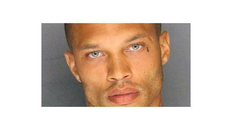 El criminal más sexy del mundo salió de la cárcel y ahora es modelo