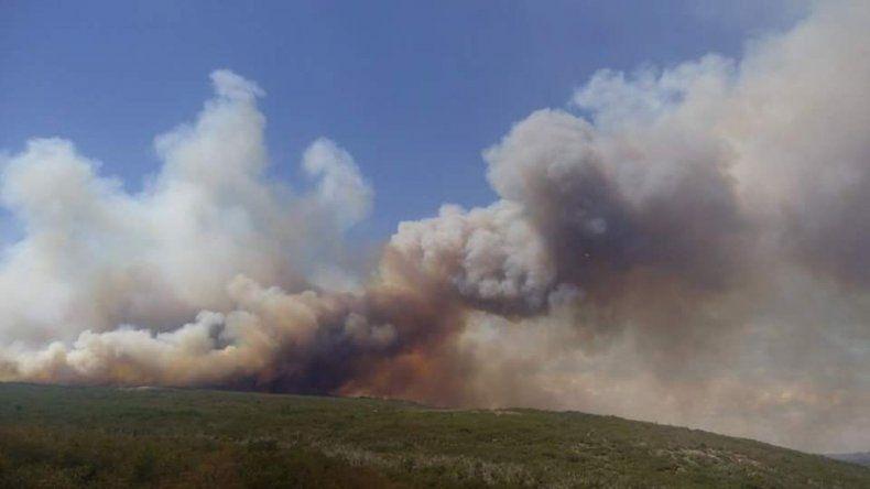 Im genes impactantes del incendio en r o pico chubut for Jardin 421 comodoro rivadavia
