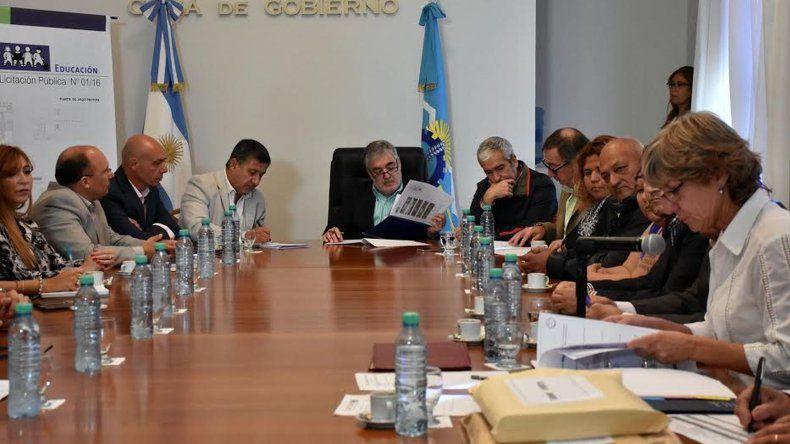 Das Neves firmó la licitación para la construcción de Escuela Nº 447