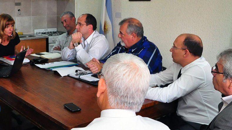 En la reunión de ayer tampoco hubo acuerdo y todo se dilató para el próximo jueves.